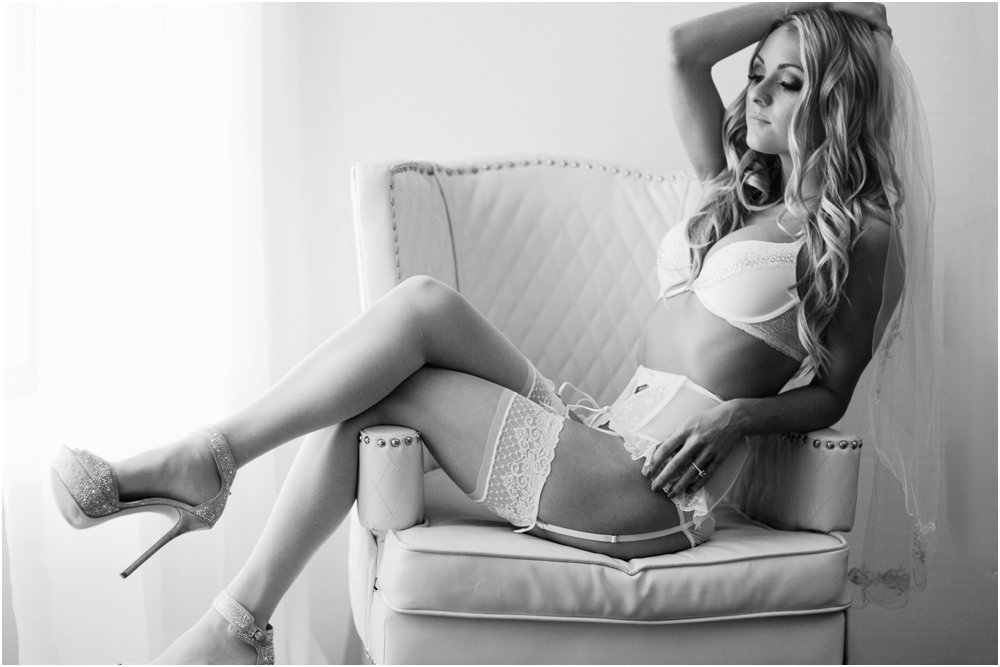 what to wear for your boudoir session classic boudoir